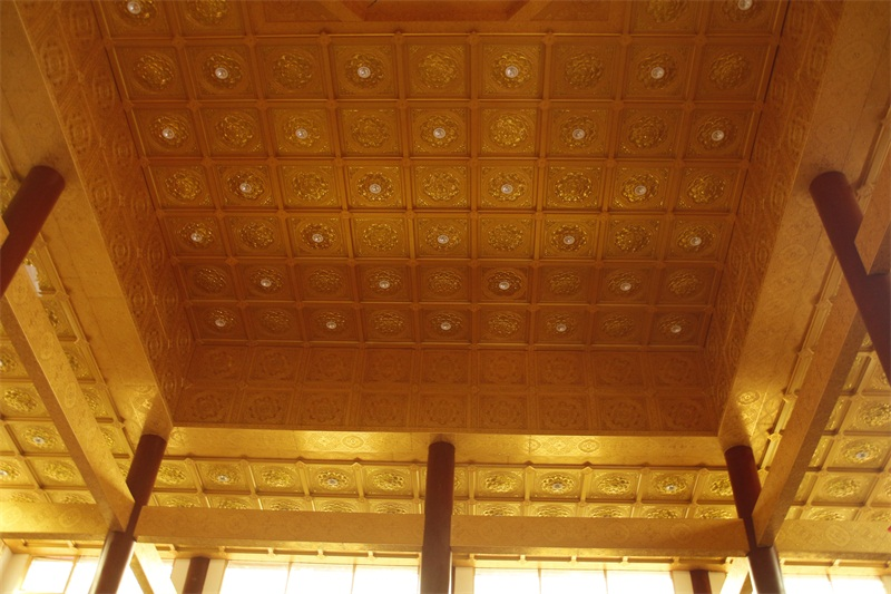 How to choose the painted ceiling for temple decoration?